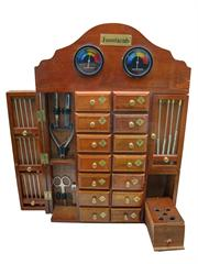 MHA14 - Mueble de madera artesanal con 14 cajones y accesorios