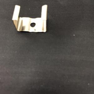 Grapa de fijación para canaleta de aluminio